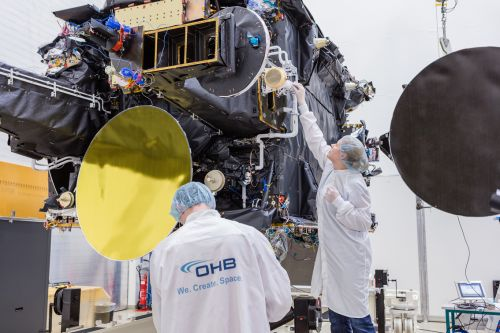 H36W-1 Telecommunications Satellite during Test Campaign at IABG; © OHB System AG